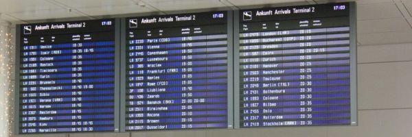 Flughafen Anzeigentafel